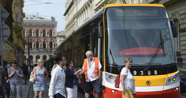 Praha se může těšit na víc klimatizovaných tramvají (ilustrační foto).