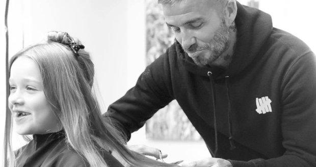 David Beckham stříhal svou dceru Harper Seven