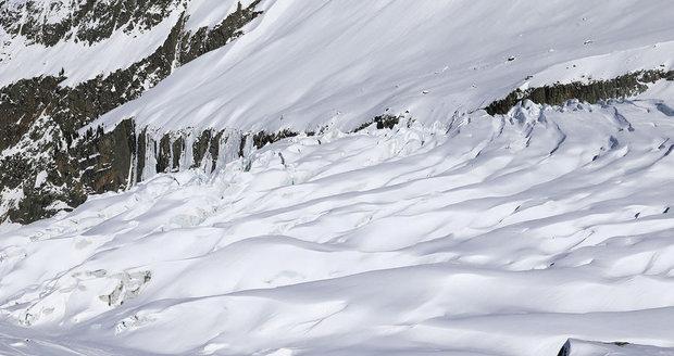 Na Mont Blancu zemřela trojice Italů. Záchranáři po nich pátrali tři dny
