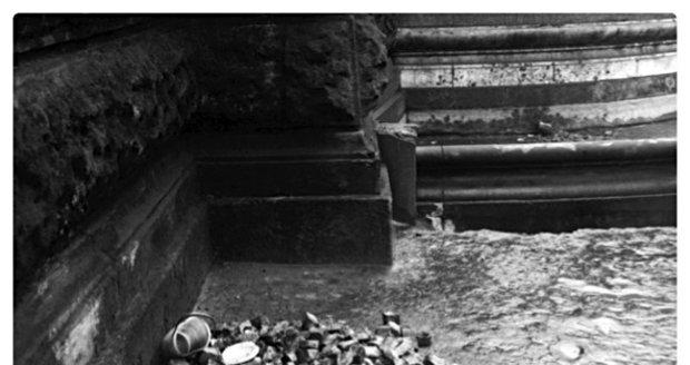 Fotografii z místa činu pořídil 16. ledna 1969 technik Veřejné bezpečnosti.