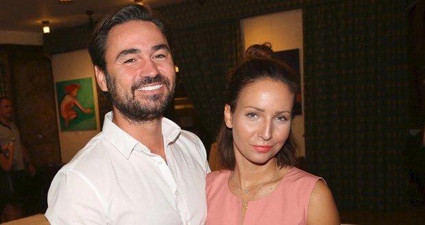 Veronika Arichteva a její manžel Biser Arichtev na premiéře filmu Důvěrný nepřítel