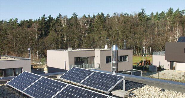 Solární panely šetří peníze i životní prostředí.