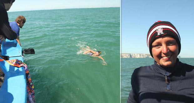 """Učitelka z Letné přeplavala La Manche. """"Je to Everest všech plavců,"""" říká Zuzana (26)"""