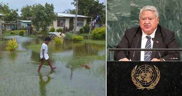 Premiér se rozohnil, lídry odmítající klimatickou změnu poslal na psychiatrii