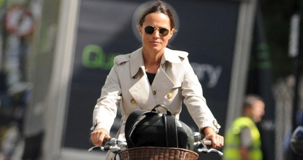 Pippa Middleton jezdí i v těhotenství na kole