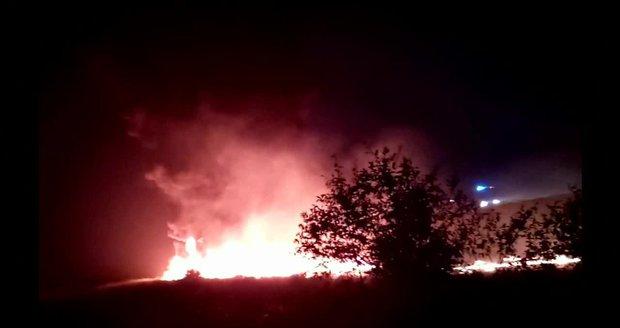 Letadlo v Soči přejelo ranvej a začalo hořet. Mezi 18 zraněnými jsou i děti