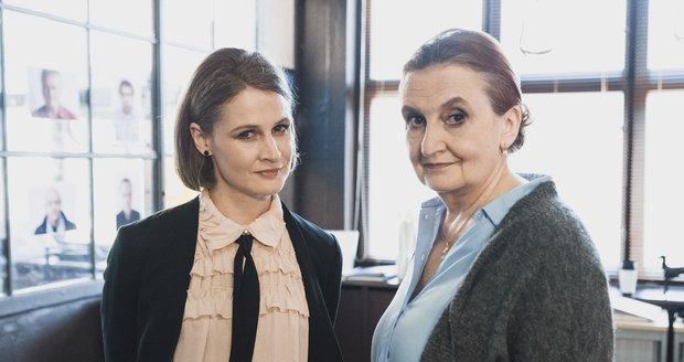 Tereza Hofová a Eva Holubová v seriálu Dáma a Král