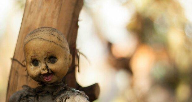 Strašidelný mexický ostrov panenek Isla de las Muñeca