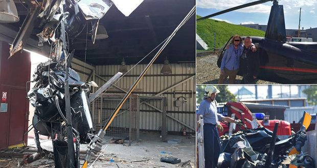 Z vrtulníku, ve kterém zemřeli 4 lidé, zbyly jen cáry: Zaseklý stroj odklidili hasiči ještěrkou