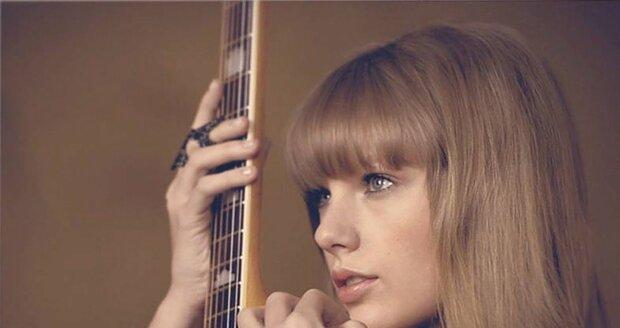Originální fotka Taylor Swift.