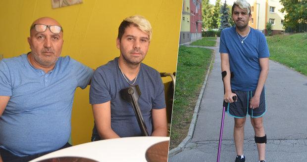 """Láďa (36) prosil po mrtvici o byt pro invalidu. """"Běžte na ubytovnu,"""" řekla mu úřednice"""