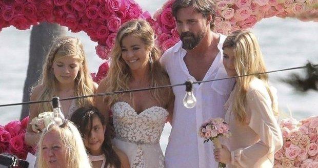 Svatba Denise Richards a Aarona Phyperse v Malibu