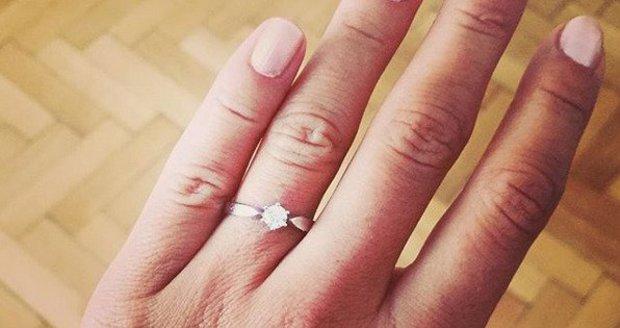Patrik Hezucký se bude ženit. Svou partnerku Nikolu požádal o ruku.