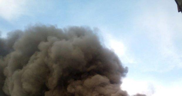 Ohnivé peklo na Kroměřížsku: Hasiči vyhlásili třetí stupeň ohrožení
