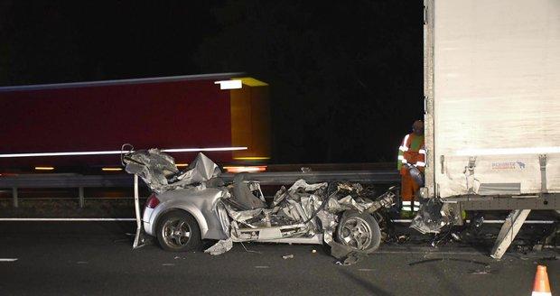 Tragická nehoda uzavřela dálnici D5.