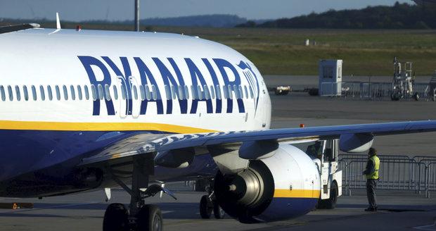 Nekonečný příběh: Ryanair čeká další stávka. Protestovat budou letušky a stevardi