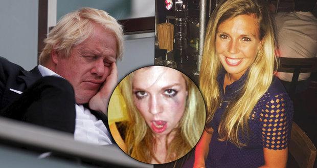 Blondýna rozvádí nevěrného exministra. A zahrála si ve hře o sexu, drogách a satanismu