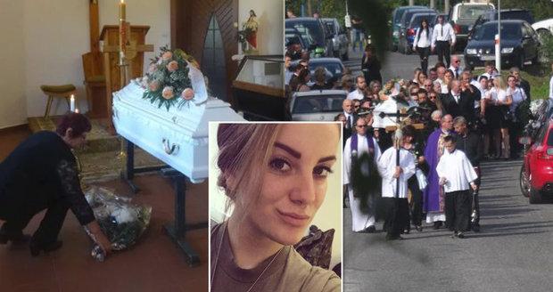 Poslední rozloučení s vojačkou Andreou (†21): Dopis na rozloučenou rozplakal úplně všechny