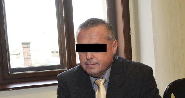 Obžalovaný lékař Zbyšek U. se zpovídá u Krajského soudu v Plzni z podvodu.