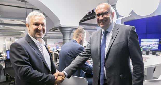 Plivání na Babiše i Zemana, kritika ČT či rozhlasu: Ostrý duel rivalů z Brna