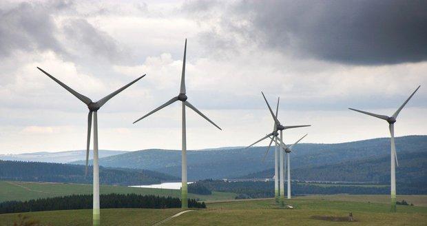"""Obnovitelné zdroje v Česku """"netáhnou"""". Z čeho vyrábíme nejvíc elektřiny?"""