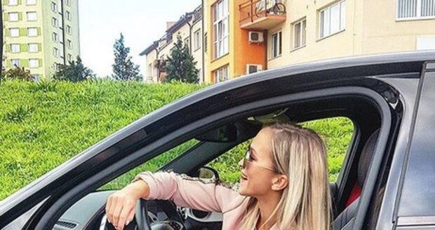 Nela Slováková
