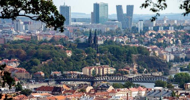 Praha na počátku října: Babí léto vydrží, teploty se dostanou přes dvacítku