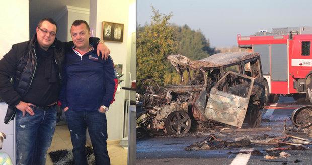 Smrtelná nehoda na D11: Řídil mercedes Jan Kočka? Kolotočářský klan se bojí nejhoršího