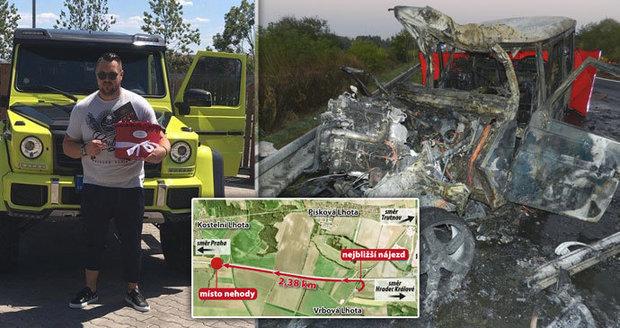 Tragická nehoda Kočkova luxusního mercedesu: V protisměru jel nejméně 2 kilometry!