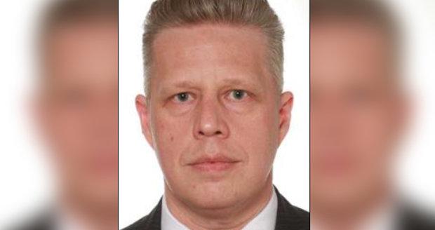 Policie pátrá po muži, který po České republice páchá trestnou činnost.