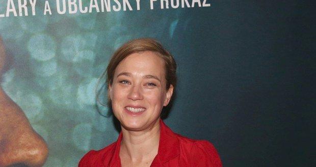 Kristýna Boková na tiskové konferenci k filmu Toman