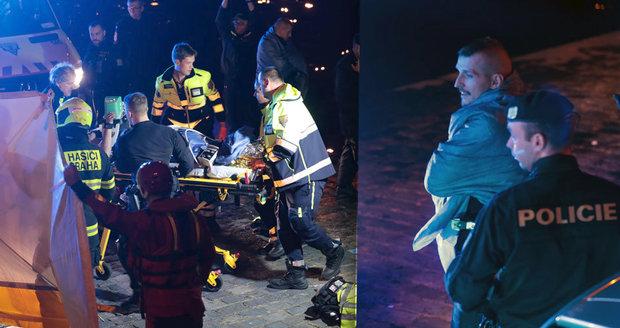 Muž skočil z mostu do Vltavy! Z ledové vody ho vytáhl kolemjdoucí policista