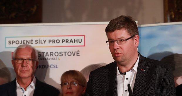 Pospíšil vymění Brusel za post pražského primátora. Ale musí ho mít už jistý
