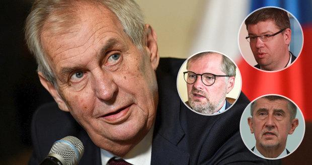 """""""Masaryk by spadl z koně."""" Politiky nadzvedli Zemanovi """"ekonomičtí zm*di"""""""