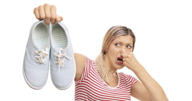 Období zapáchajících bot je tady! Víme 60ea7146c1