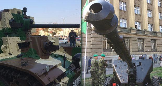 VIDEO: Velkolepá přehlídka ke 100 letům ČSR: Armáda předvedla malou ochutnávku
