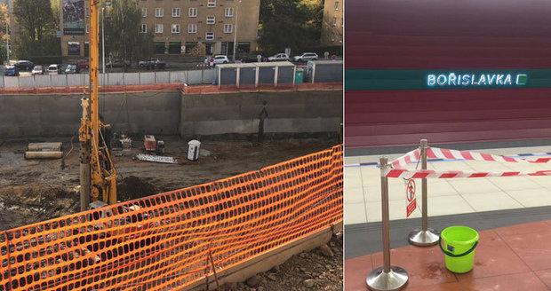 Obří vrták poškodil tubus metra A, na dvě a půl hodiny zastavil provoz. Policie zahájila trestní řízení