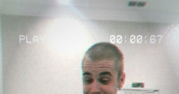 Justin Bieber šokoval svou holou hlavou...
