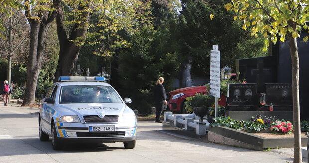 Drzý zloděj vykradl v Plzni hřbitovní kostel. Ilustrační foto.
