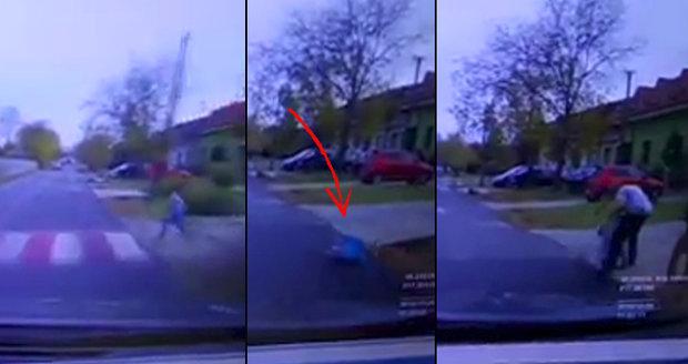 Chlapce (6) srazil na přechodu řidič: Příbuzní mu pak šíleně ublížili