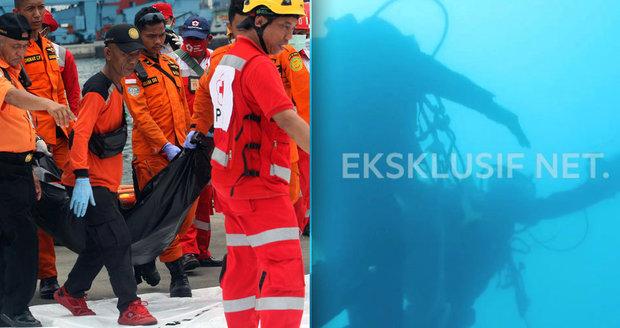 Moře vydalo černou skříňku ze zříceného letadla. Odhalí hovory pilotů příčinu pádu?