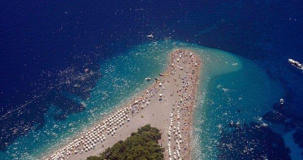 U Jadranu se přemnožených komárů bát nemusíte, uklidňuje Chorvatské turistické sdružení.