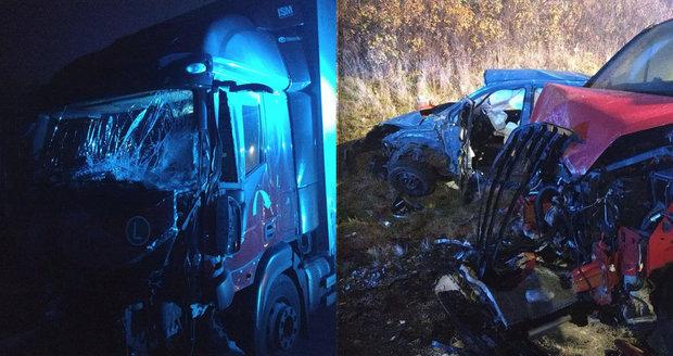 Tragická nehoda u Hořic má třetí oběť: Zemřel mladík (†19), policie neví, kdo řídil