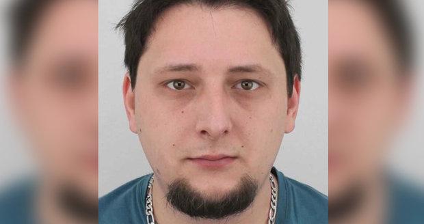Policie pátrá po Michalu Šmelovi (31) z Vracova na Hodonínsku. Bere léky, které u sebe nemá.