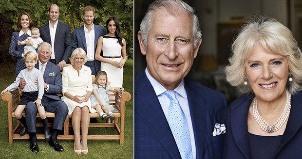 Oficiální portrét královské rodiny při příležitosti 70. narozenin prince Charlese