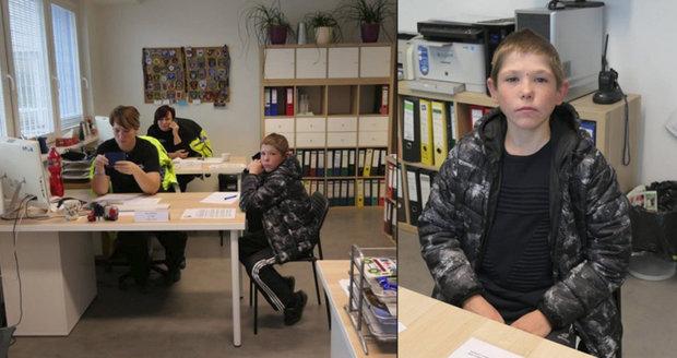 """""""Věřte nevěřte, je opravdu dospělý,"""" říká policie o řidiči s vizáží školáka. Potvrzení identity přišlo až z Ukrajiny"""