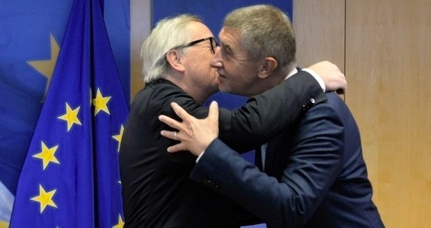 Babiš polibku od Junckera neunikl. A představil českou školku pro sirotky v Sýrii