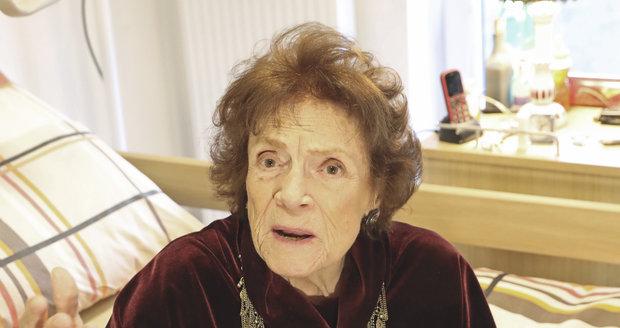 Energická Vlasta Chramostová oslavila 92. narozeniny.