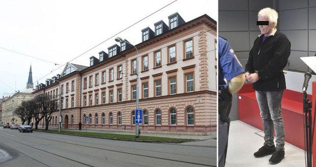 Olomoucký soud potrestal muže za extrémně brutální vraždu bezdomovce: Dostal 17 let nepodmíněně