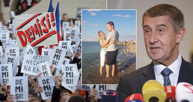 """ONLINE: Babiš ustál kauzu syna na Krymu. """"Puč Palermo"""" vládu nepoložil"""
